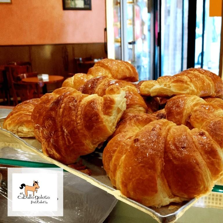bandeja-de-croissanta-mantequilla